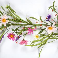 DAISY AND FORSYTHIA GARLAND WITH GREENERY AND RICE BERRIES,