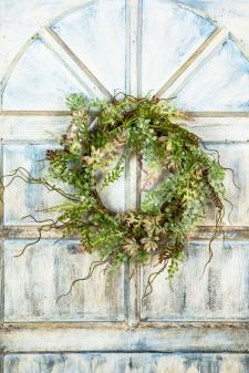 ASSORTED FROST SUCCULENT/GREENERY WREATH ON TWIG BASE, 10 IN